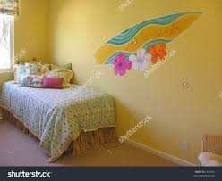 Hawaiian Style Bedroom Ideas Diy Hawaiian Room Decor Authentic Quilts For Themed Bedroom