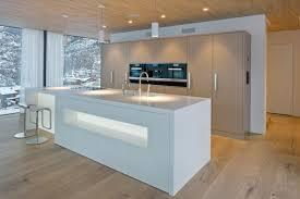 ilot de cuisine avec coin repas îlot central cuisine avec coin repas et coin détente confortable