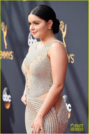 hyland ariel winter glam up for emmys 2016 carpet