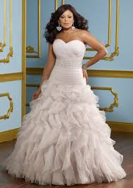 wedding dresses for larger 7 fabulous tips for plus size wedding dress shopping