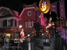 scary halloween party mickey u0027s not so scary halloween party returns to disney world