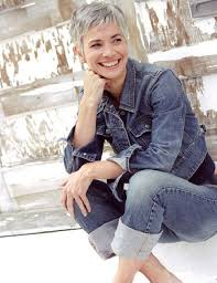 stylish cuts for gray hair best 25 short gray hair ideas on pinterest where does grey hair