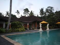 beachfront bungalow with pool on bali homeaway candidasa