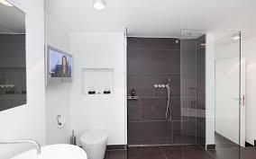 badezimmer mit wei und anthrazit badezimmer mit weiß und anthrazit nach hinten on badezimmer auf