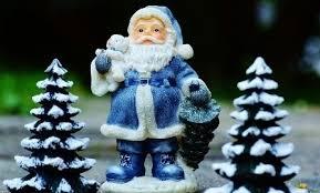 would santa claus make a better green lantern or a blue lantern