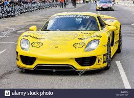 Porsche 918 Hybrid 2016 - yellow porsche 918 spyder plug in hybrid hypercar 887 hp 652 kw