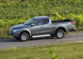 mitsubishi truck 2016 mitsubishi l200 club cab specs 2015 2016 2017 autoevolution