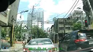 beating the red light watch isang jeep sumalpok sa suv matapos mag beating the red light