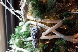 Discount Outdoor Christmas Decorations by Christmas Decorations U0026 Holiday Entertaining Ideas From Hgtv Hgtv