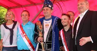 carnaval prins wie wordt prins carnaval 2018 in aalst radio 2 de grootste familie