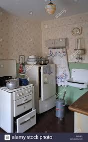 warmwasserboiler küche water boiler stockfotos water boiler bilder alamy