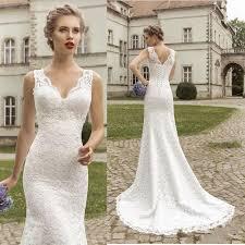 wedding dresses that you look slimmer best 25 slim wedding dresses ideas on timeless