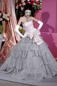 gwen stefani john galliano wedding dress
