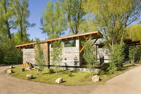 Best Cottage Designs by 10 Peaceful Cabin Designs That Immerse Themselves In Nature