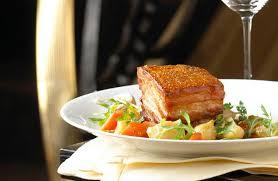 recette cuisine porc poitrine de porc croustillante et légumes en cocotte recettes de