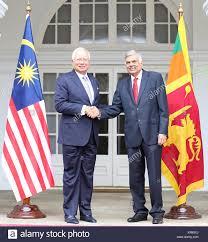 sri lankan l colombo sri lanka 19th dec 2017 malaysian prime minister datuk
