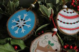 craft wood slice ornaments discover family fun