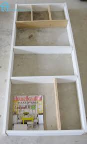 Diy Shelves For Bathroom by Remodelando La Casa Behind The Door Shelf