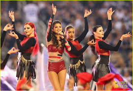 selena gomez s thanksgiving halftime show performance now