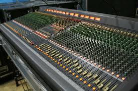 Sound Desk Yamaha Pm3500 44 Analog Mixing Desk Gearsourceeurope