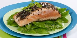 cuisiner pavé saumon pavés de saumon au poivre facile et pas cher recette sur cuisine