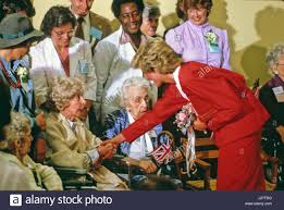 princess diana chats with residents of the washington home and