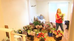 local florist local florist makes special bouquets for las vegas victims cbs