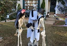 clarksville family u0027s halloween decorations tell story of mr bones