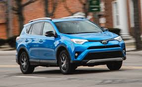 toyota awd hatchback 2016 toyota rav4 se awd test u2013 review u2013 car and driver