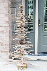 How To Decorate A Large Christmas Tree - how to make a driftwood christmas tree sustain my craft habit