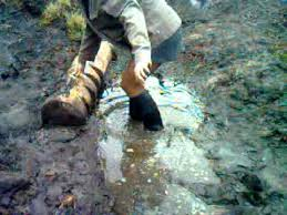 womens boots in rubber ridding boots in mud 2