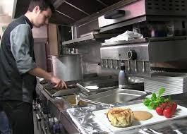 metier de cuisine cuisinier à bord d un bateau le métier original de kevin cidj