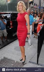 lara spencer hosts the