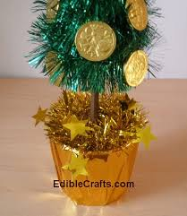 Gold Christmas Centerpieces - awesome and easy christmas table centerpieces from ediblecrafts com