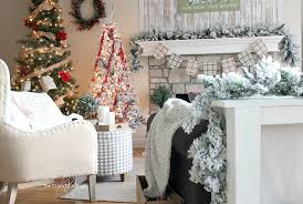 ideas for christmas with others classic christmas decoration simple classic christmas decorating and why i put up two