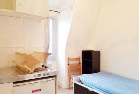 chambres de bonne vivre dans une chambre de bonne à groupe invest
