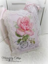 Cushions Shabby Chic by Finest Victorian Roses U0026 Cottage Themed Decor Chic Manía