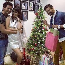 Christmas Party Host - karan mehra and nisha rawal host christmas party for deepika singh