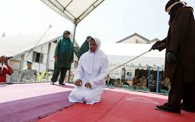 femme musulmane mariage la charia en une femme musulmane battue publiquement pour
