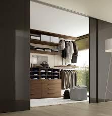 chambre de garde chambre à coucher choisir une garde robe une penderie une armoire