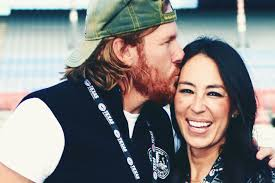 chip joanna gaines fixer upper s chip joanna gaines pregnant with fifth child