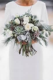 bridal bouquets 25 chic winter wedding bouquets happywedd