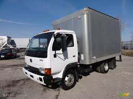 truck nissan diesel 2004 white nissan diesel ud 1400 moving truck 46037982 photo 2