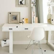 bureau trepied bureau en pin 4 tiroirs trepied blanc