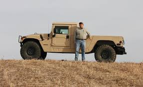 humvee drawing tom adams with the 1996 hummer h1 pickup photo 390861 s 1280x782