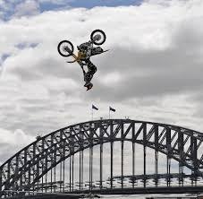 travis pastrana freestyle motocross sport am limit u201e40 brüche in sieben knochen bei einem crash u201c welt