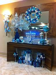 hanukkah decorations really like the glass on the