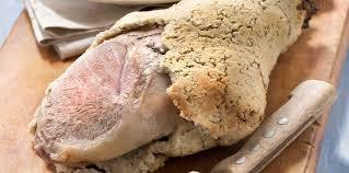 agneau cuisine gigot d agneau en croûte de sel recette sur cuisine actuelle