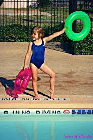 How To Play Red Light Green Light 10 Of The Coolest Most Creative Pool Games For Kids
