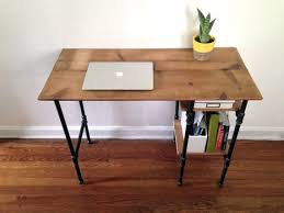 Building A Wooden Desktop by Best 25 Pipe Desk Ideas On Pinterest Industrial Pipe Desk Diy